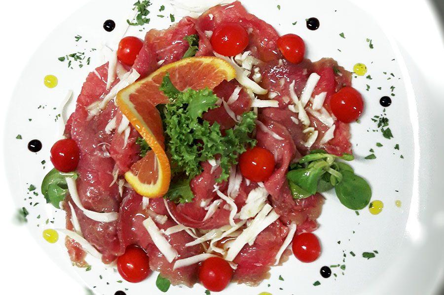Lu Carmè: girello di vitello marinato alle erbette madonite